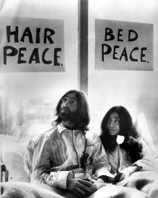 lennon and yoko peace in bed